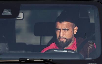Vidal stasera a Milano: domani visite per l'Inter