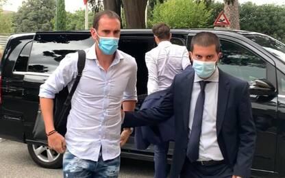 Godin fa le visite mediche col Cagliari. VIDEO