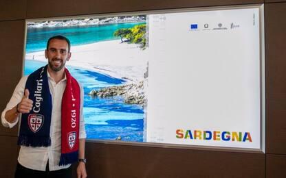 Godin ufficiale al Cagliari: firma fino al 2023