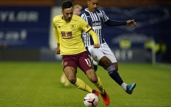 epa08757740 Matheus Pereira (R) of West Bromwich in action against Dwight McNeil (L) of Burnley during the English Premier League soccer match between West Bromwich Albion and Burnley FC in West Bromwich, Britain, 19 October 2020.  EPA/Tim Keeton / POOL EDITORIAL USE ONLY. No use with unauthorized audio, video, data, fixture lists, club/league logos or 'live' services. Online in-match use limited to 120 images, no video emulation. No use in betting, games or single club/league/player publications.