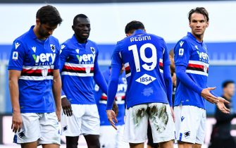 Sampdoria's Italian defender Vasco Regini (2nd from right) reacts with disappointment after scoring an own-goal during the Italian Serie A soccer match Uc Sampdoria vs Bologna Fc at Luigi Ferraris stadium in Genoa, Italy, 22 November 2020ANSA/SIMONE ARVEDA
