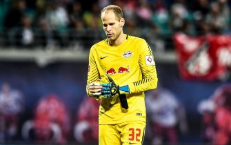 epa06209111 Leipzig's goalkeeper Peter Gulacsi reacts after the German Bundesliga soccer match between RB Leipzig and Borussia Moenchengladbach in Leipzig, Germany, 16 September 2017.  EPA/FILIP SINGER EMBARGO CONDITIONS - ATTENTION: Due to the accreditation guidelines, the DFL only permits the publication and utilisation of up to 15 pictures per match on the internet and in online media during the match.