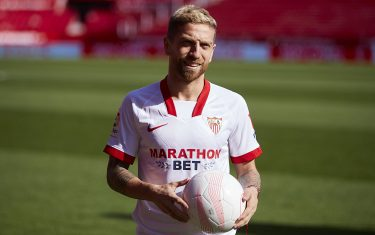 SEVILLE, SPAIN - JANUARY 28: Alejandro Papu Gomez of Sevilla FC during the unveil of the new signing of Alejandro Papu Gomez at Estadio Ramón Sánchez Pizjuán on January 28, 2021 in Seville, Spain. (Photo by Fran Santiago/Getty Images)