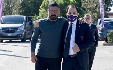 Il nuovo allenatore della Fiorentina Gennaro Gattuso (L) con Giuseppe Commisso (R) al suo arrivo al centro sportivo Davide Astori, Firenze,  4 Giugno 2021 Firenze. ANSA/CLAUDIO GIOVANNINI