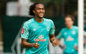 ZELL AM ZILLER, AUSTRIA - AUGUST 22: (BILD ZEITUNG OUT) Tahith Chong of SV Werder Bremen looks on during the Werder Bremen Training Camp on August 22, 2020 in Zell am Ziller, Austria. (Photo by Roland Krivec/DeFodi Images via Getty Images)