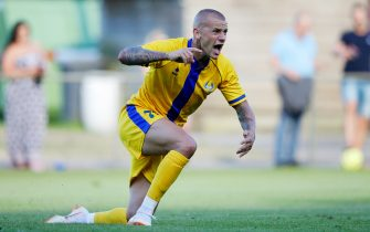 APELDOORN, NETHERLANDS - JULY 13: Vladimir Weiss of Al Gharafa  during the Club Friendly   match between Steaua Bucharest v Al Gharafa at the Sportpark Wiesel on July 13, 2018 in Apeldoorn Netherlands (Photo by Rico Brouwer/Soccrates/Getty Images)