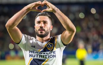 CARSON, CA - MAY 25: Romain Alessandrini #7 of Los Angeles Galaxy celebrates his game winning goal during the Los Angeles Galaxy's MLS match against San Jose Earthquakes at the StubHub Center on May 25, 2018 in Carson, California.  The Los Angeles Galaxy won the match 1-0 (Photo by Shaun Clark/Getty Images)