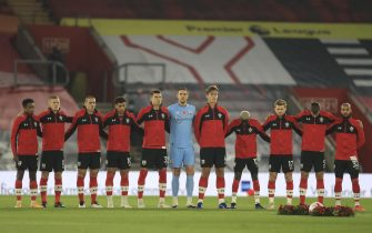 epa08803559 Players of Southampton observe a minute of silence for the Remembrance Day ahead of the English Premier League soccer match between Southampton and Newcastle United in Southampton, Britain, 06 November 2020.  EPA/Adam Davy / POOL EDITORIAL USE ONLY. No use with unauthorized audio, video, data, fixture lists, club/league logos or 'live' services. Online in-match use limited to 120 images, no video emulation. No use in betting, games or single club/league/player publications.