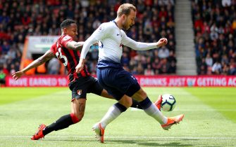 BOURNEMOUTH, ENGLAND - MAY 04: Christian Eriksen of Tottenham Hotspur is challenged by Nathaniel Clyne of AFC Bournemouth during the Premier League match between AFC Bournemouth and Tottenham Hotspur at Vitality Stadium on May 04, 2019 in Bournemouth, United Kingdom. (Photo by Warren Little/Getty Images)