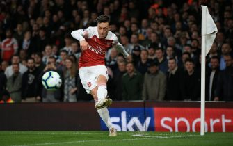 LONDON, ENGLAND - APRIL 01: Mesut Ozil of Arsenal during the Premier League match between Arsenal FC and Newcastle United at Emirates Stadium on April 1, 2019 in London, United Kingdom. (Photo by Marc Atkins/Getty Images)