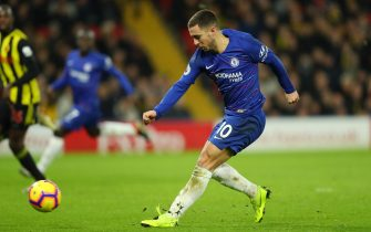 WATFORD, ENGLAND - DECEMBER 26:  Eden Hazard of Chelsea scores his team's first goal during the Premier League match between Watford FC and Chelsea FC at Vicarage Road on December 26, 2018 in Watford, United Kingdom.  (Photo by Warren Little/Getty Images)