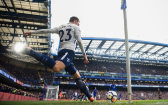LONDON, ENGLAND - APRIL 01: Christian Eriksen of Spurs takes a corner during the Premier League match between Chelsea and Tottenham Hotspur at Stamford Bridge on April 1, 2018 in London, England.  (Photo by Michael Regan/Getty Images)