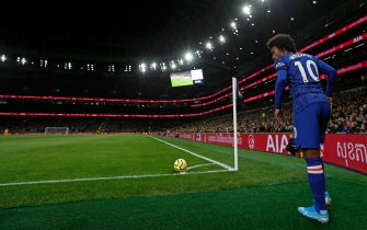 Chelsea's Brazilian midfielder Willian prepares to take a corner during the English Premier League football match between Tottenham Hotspur and Chelsea at Tottenham Hotspur Stadium in London, on December 22, 2019. (Photo by Adrian DENNIS / AFP) / RESTRICTED TO EDITORIAL USE. No use with unauthorized audio, video, data, fixture lists, club/league logos or 'live' services. Online in-match use limited to 120 images. An additional 40 images may be used in extra time. No video emulation. Social media in-match use limited to 120 images. An additional 40 images may be used in extra time. No use in betting publications, games or single club/league/player publications. /  (Photo by ADRIAN DENNIS/AFP via Getty Images)