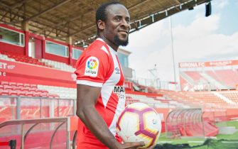 epa06981268 Ivory Coast's forward Seydou Doumbia poses for photographers during his presentation as new player of Primera Division team Girona FC at Estadi de Montilivi stadium in Girona, northeastern Spain, 29 August 2018. Doumbia signed a contract for next three seasons.  EPA/Robin Townsend