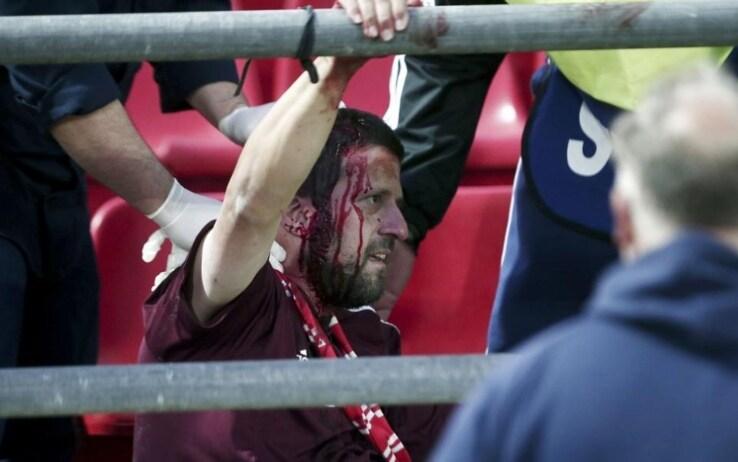 Youth League: 4 tifosi tedeschi feriti da hooligans greci