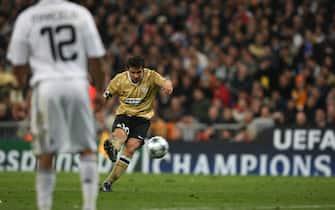 Real Madrid CF v Juventus Football Club - 2008 2009 UEFA Champio