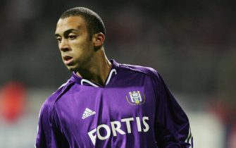 BREMEN, GERMANY - NOVEMBER 2:  Anthony Vanden Borre of Anderlecht during the UEFA Champions League match between Werder Bremen and RSC Anderlecht at The Weser Stadium on November 2, 2004 in Bremen, Germany.  (Photo by Stuart Franklin/Getty Images)