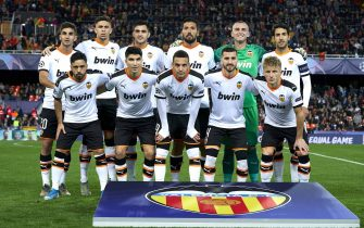VALENCIA, SPAIN - NOVEMBER 27: The Valencia team line up for a photo prior to kick off during the UEFA Champions League group H match between Valencia CF and Chelsea FC at Estadio Mestalla on November 27, 2019 in Valencia, Spain. (Photo by Manuel Queimadelos Alonso/Getty Images)