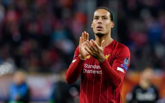 SALZBURG, AUSTRIA - DECEMBER 10: (BILD ZEITUNG OUT) Virgil Van Dijk of FC Liverpool gestures during the UEFA Champions League group E match between RB Salzburg and Liverpool FC at Red Bull Arena on December 10, 2019 in Salzburg, Austria. (Photo by TF-Images/Getty Images)