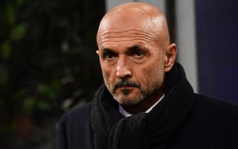 Inter Milan's head coach Luciano Spalletti looks on prior to the UEFA Champions League group B football match Inter Milan vs PSV Eindhoven on December 11, 2018 at the San Siro stadium in Milan. (Photo by Miguel MEDINA / AFP)        (Photo credit should read MIGUEL MEDINA/AFP via Getty Images)