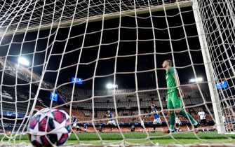 Valencia's Dutch goalkeeper Jasper Cillessen reacts after Atalanta's Slovenian midfielder Josip Ilicic scored during the UEFA Champions League round of 16 second leg match between Valencia CF and Atalanta at Estadio Mestalla on March 10, 2020 in Valencia. (Photo by - / POOL UEFA / AFP) (Photo by -/POOL UEFA/AFP via Getty Images)