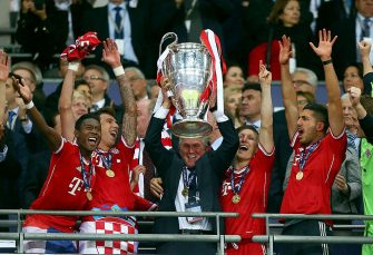 LONDON, ENGLAND - MAY 25:  Head Coach Jupp Heynckes of Bayern Muenchen lifts the trophy after winning the UEFA Champions League final match against Borussia Dortmund at Wembley Stadium on May 25, 2013 in London, United Kingdom.  (Photo by Alex Grimm/Getty Images)