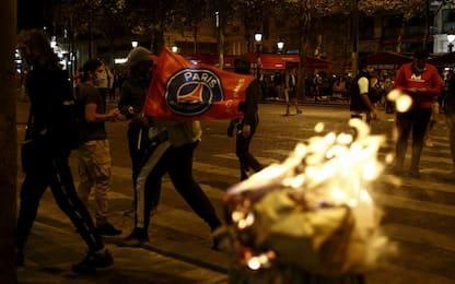 Psg ko, scontri tra tifosi e polizia: 148 fermi