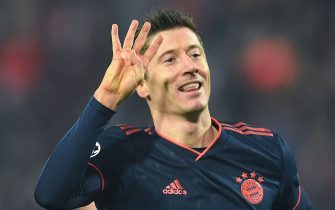 "TOPSHOT - Bayern Munich's Polish forward Robert Lewandowski celebrates scoring his team's fourth goal during the UEFA Champions League group B football match between Red Star Belgrade (Crvena Zvezda Belgrade) and Bayern Munich at the ""Rajko Mitic"" stadium in Belgrade, on November 26, 2019. (Photo by ANDREJ ISAKOVIC / AFP) (Photo by ANDREJ ISAKOVIC/AFP via Getty Images)"