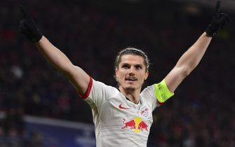 epa08284512 Leipzig's Marcel Sabitzer celebrates after scoring the 1-0 goal during the UEFA Champions League round of 16, second leg soccer match between RB Leipzig and Tottenham Hotspur in Leipzig, Germany, 10 March 2020.  EPA/FILIP SINGER