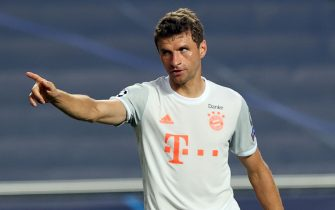 epa08604204 Thomas Mueller of Bayern Munich celebrates after scoring the 4-1 lead during the UEFA Champions League quarter final match between Barcelona and Bayern Munich in Lisbon, Portugal, 14 August 2020.  EPA/Rafael Marchante / POOL