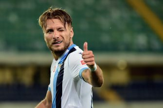 VERONA, ITALY - JULY 26:  Ciro Immobile of SS Lazio celebrates his second goal during the Serie A match between Hellas Verona and  SS Lazio at Stadio Marcantonio Bentegodi on July 26, 2020 in Verona, Italy.  (Photo by Pier Marco Tacca/Getty Images)