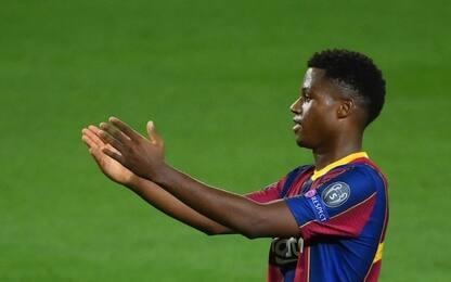 """""""Fati ambulante nero"""": Barça denuncia giornalista"""