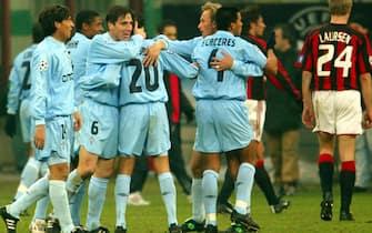 MI-11-9/12/03- MILANO - SPR - CALCIO: CHAMPIONS LEAGUE; MILAN- CELTA DE VIGO.La gioai dei giocatori del Celta Vigo a fine partita. DANIEL DAL ZENNARO/ANSA