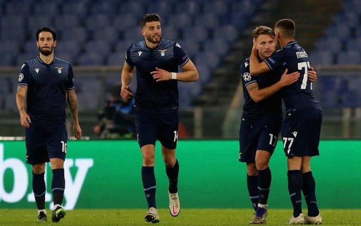 La Lazio festeggia il gol in Champions
