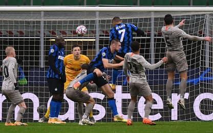 Sanchez di testa, Lukaku gli nega il gol-vittoria