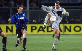 ***** Collection Juventus *****LAPRESSEBERGAMO, 03/02/01PARTITA ATALANTA - JUVENTUSNELLA FOTO: ZIDANE©LAPRESSE/FALZONE