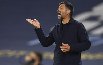 epa08763315 FC Porto's head coach Sergio Conceicao reacts during the UEFA Champions League group C soccer match between Manchester City and FC Porto in Manchester, Britain, 21 October 2020.  EPA/Paul Ellis / POOL