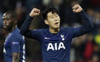 epa07977598 Tottenham Hotspur's Heung-Min Son celebrates after scoring a goal during the UEFA Champions League group B soccer match between Red Star Belgrade and Tottenham Hotspur in Belgrade, Serbia, 06 November 2019.  EPA/ANDREJ CUKIC