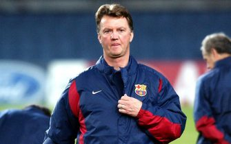B05 - 20021209 - BARCELONA, SPAIN : Barcelona's Dutch coach Louis Van Gaal during their training session at the Camp Nou stadium on Monday 9 December 2002, on the eve their Champions League soccer match against Newscastle. EPA PHOTO EFE/ALBERT OLIVE