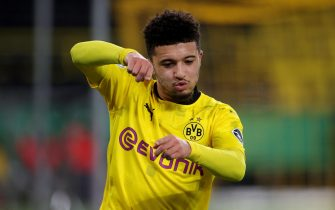 epa08982372 Dortmund's Jadon Sancho celebrates the 2-0 lead during the German DFB Cup round of 16 soccer match between Borussia Dortmund and SC Paderborn 07 in Dortmund, Germany, 02 February 2021.  EPA/FRIEDEMANN VOGEL / POOL CONDITIONS - ATTENTION: The DFB regulations prohibit any use of photographs as image sequences and/or quasi-video.