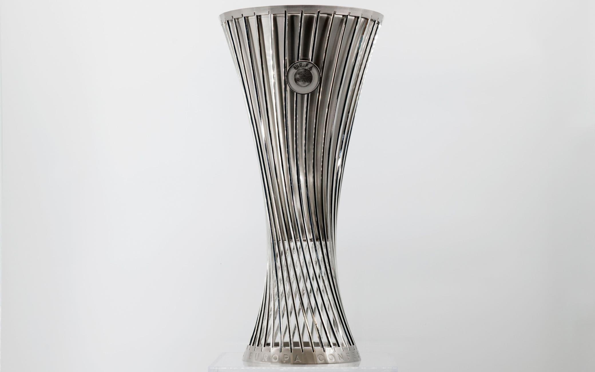 La foto della nuova coppa (Twitter Uefa)
