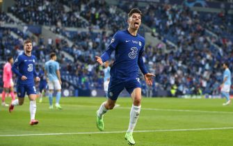 epa09235731 Kai Havertz of Chelsea celebrates after scoring the 1-0 lead during the UEFA Champions League final between Manchester City and Chelsea FC in Porto, Portugal, 29 May 2021.  EPA/Jose Coelho / POOL