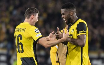 epa09468400 Young Boys' Christian Fassnacht (L) and  Jordan Siebatcheu celebrate winning the UEFA Champions League group F soccer match between BSC Young Boys and Manchester United at the Wankdorf stadium in Bern, Switzerland, 14 September 2021.  EPA/ALESSANDRO DELLA VALLE