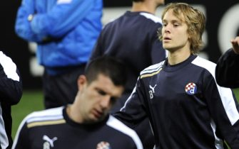 GNK Dinamo Zagreb's croatian midfielder Alen Halilovic looks on during a training session at Dragao Stadium in Porto on November 20, 2012 on the eve of the UEFA Champions League group A against Porto. AFP PHOTO/ FERNANDO VELUDO        (Photo credit should read FERNANDO VELUDO/AFP via Getty Images)