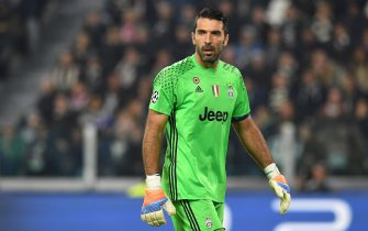 TURIN, ITALY - NOVEMBER 02:  Gianluigi Buffon of Juventus looks on during the UEFA Champions League Group H match between Juventus and Olympique Lyonnais at Juventus Stadium on November 2, 2016 in Turin, Italy.  (Photo by Valerio Pennicino/Getty Images)