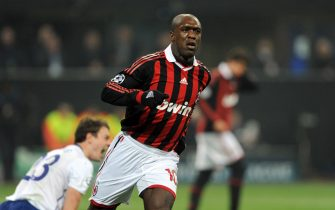 AC Milan's Dutch midfielder Clarence Seedorf celebrates after scoring against Manchester United during their UEFA Champions League round of 16 match on February 16, 2010 at San Siro stadium in Milan. Manchester United defeated AC Milan 3-2.    AFP PHOTO / Giuseppe Cacace (Photo credit should read GIUSEPPE CACACE/AFP/Getty Images)