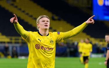 DORTMUND, GERMANY - NOVEMBER 24: (BILD ZEITUNG OUT) Erling Haaland of Borussia Dortmund celebrates after scoring his team's first goal during the UEFA Champions League Group F stage match between Borussia Dortmund and Club Brugge KV at Signal Iduna Park on November 24, 2020 in Dortmund Germany. (Photo by Alex Gottschalk/DeFodi Images via Getty Images)