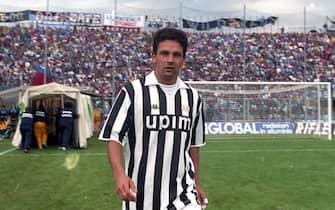 Roberto Baggio con la maglia della Juventus impegnata a Bergamo per la sfida di Serie A contro l'Atalanta, 22 settembre 1991. ANSA