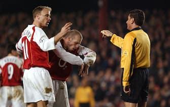 ©Karwai Tang/Alpha/Lapresse09/03/05 LondraCalcioChampions League: Arsenal - Bayern Munich : 1-0Nella foto: Dennis Bergkamp e Freddie LjungbergOnly Italy