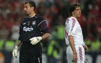 ©Jonathan Moscrop / LaPresse25-05-2005 Istanbul ( Turchia )Sport - CalcioMilan - Liverpool UEFA Champions League Final 2004 2005Nella foto: Jerzy Dudek e Hernan Crespo